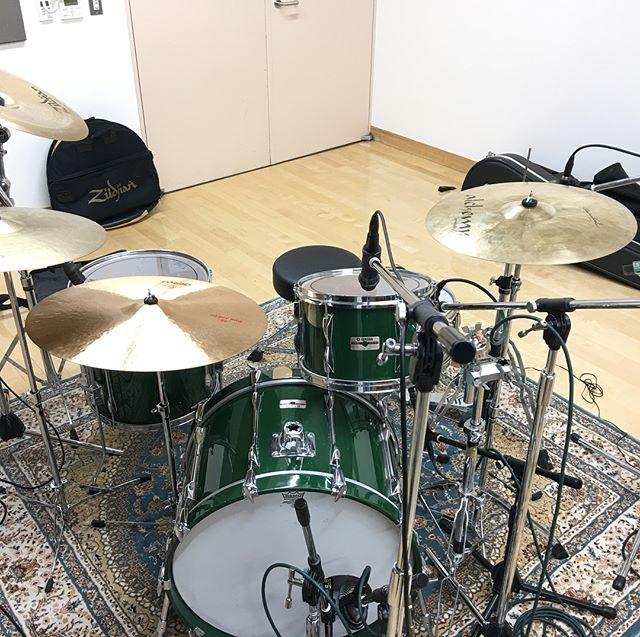 昨日も#ドラム #Rec。#音楽プロデューサー業ではなく久々にプレイヤーですた。 #音楽好きな人と繋がりたい #ドラム好き #ヤマハ #ドラム #yd9000 #daw #dtm #studioone #mac #レコーディング